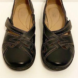 Black Clarks Flats Size 9